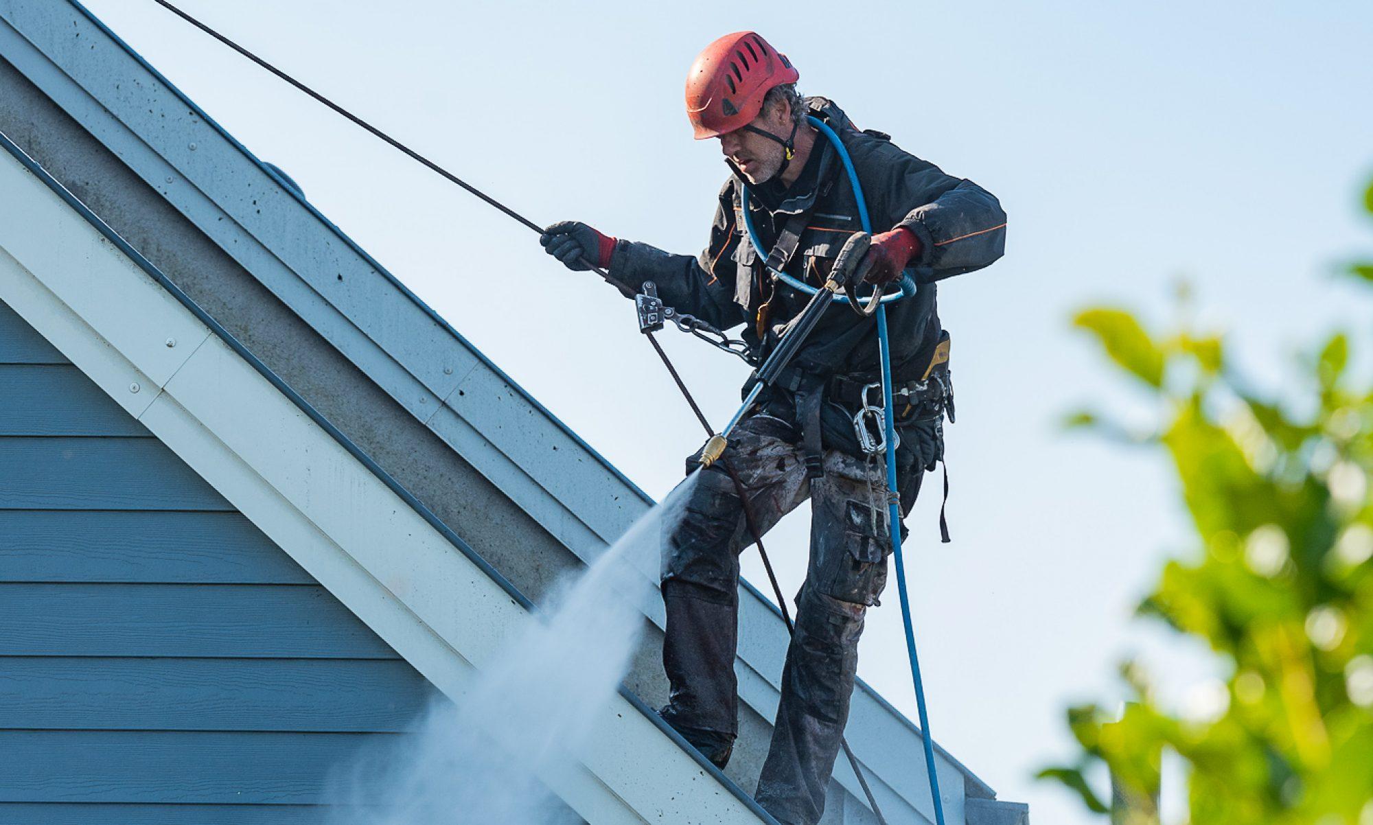 Démoussage, Rénovation, Entretien de votre toiture